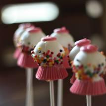 dessert buffet bubbble gum cake pops