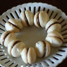 dessert buffet macaroons