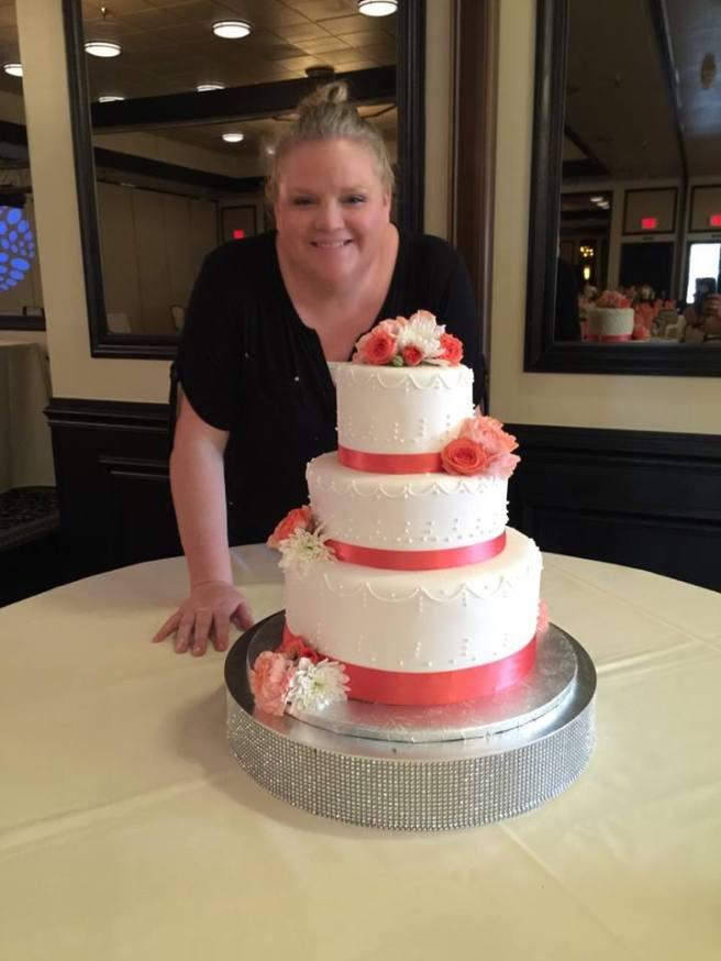 wedding cake white and salmon
